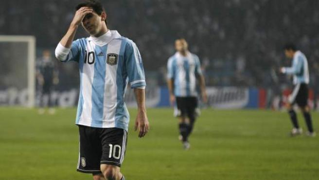 Leo Messi, delantero de la selección Argentina, se lamenta durante el partido ante Bolivia.