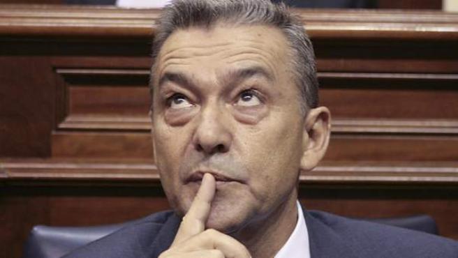 Paulino Rivero, durante la segunda jornada del debate de su investidura.