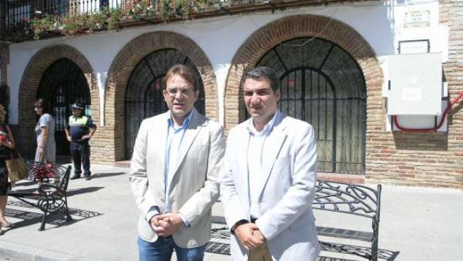 El Presidente De La Diputación, Elías Bendodo, Y El Alcalde De Alfarnate
