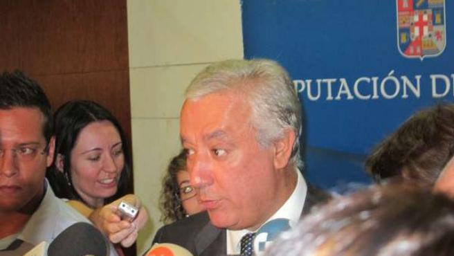 Arenas Responde A Los Medios Tras Constituirse La Diputación De Almería