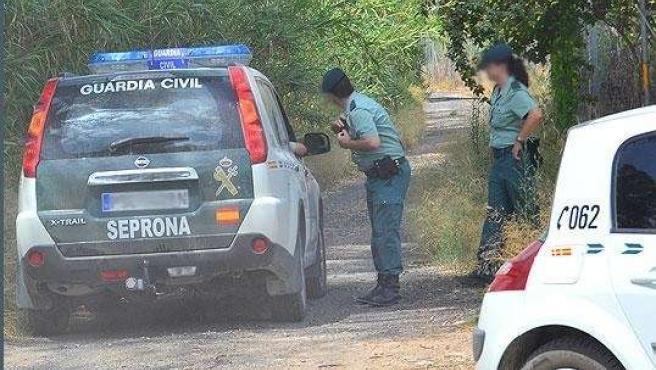 La Guardia Civil, Que Lleva La Investigación, Corta Un Camino Cercano Al Lugar