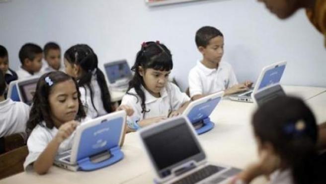 Algunos alumnos durante una clase.