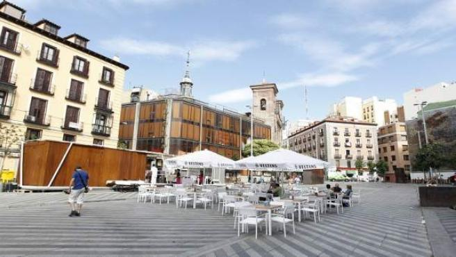 Terraza junto a uno de los quioscos en la plaza de los Luna.