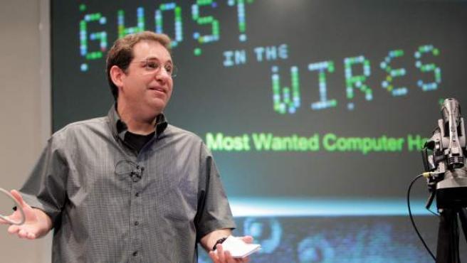 """Uno de los más famosos """"hackers"""" de la historia de la informática, el norteamericano Kevin Mitnick, durante su conferencia en la Campus Party."""