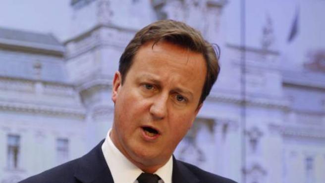 El primer ministro británico David Cameron interviniendo en la rueda de prensa que ofreció junto a su homólogo checo, Petr Necas, en la sede del Gobierno en Praga, República Checa, el pasado jueves 23 de junio.