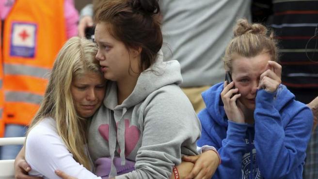 Amigos y familiares de las víctimas de Utøya.