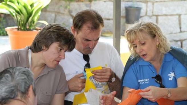 Empleados De ?La Caixa? De Madrid Participan En El Día Del Voluntariado