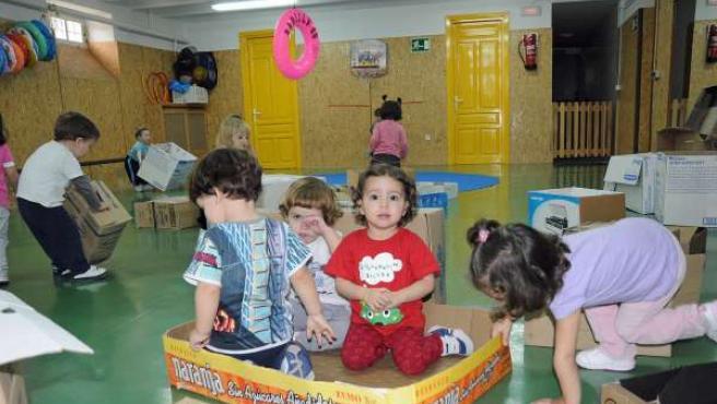 Ninños jugando en una guardería