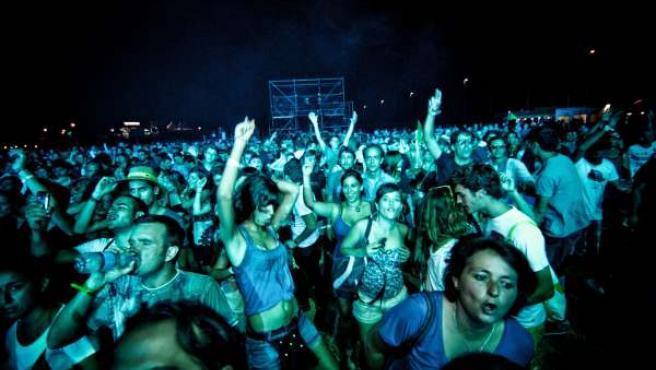 Imagen Del Público Asistente Al Festival Electromar