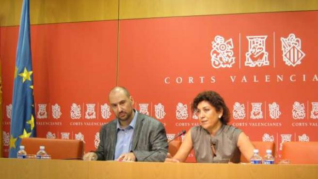 Josep Moreno Y Carmen Ninet (PSPV) En Rueda De Prensa