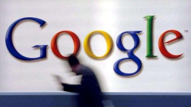 Foto de archivo tomada el 21 de octubre de 2004 del logotipo de Google en Fráncfort (Alemania).