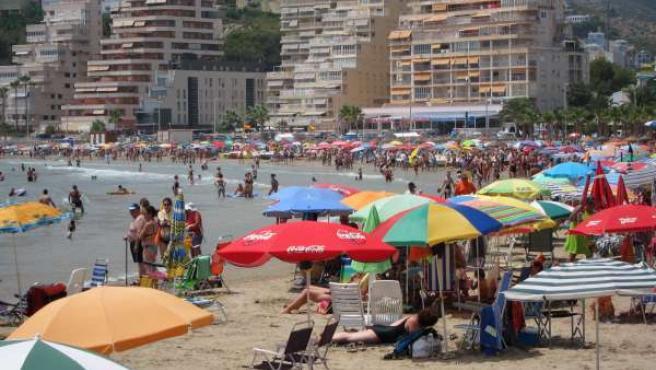 Una De Las Playas De La Costa Mediterránera