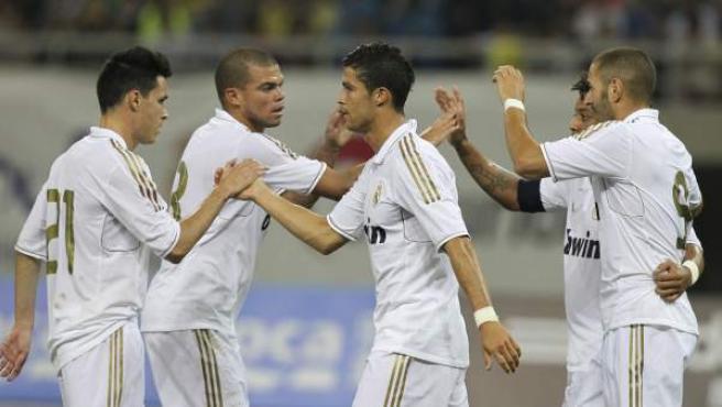 Los jugadores del Real Madrid, en su último amistoso en China ante el Tianjin Teda. De izquierda a derecha, Callejón, Pepe, Cristiano Ronaldo, Marcelona y Benzemá.
