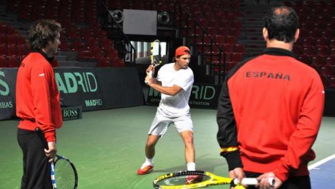 Rafael Nadal con el equipo español de Copa Davis en Bélgica