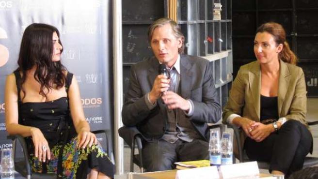 Viggo Mortensen Y Soledad Villamil, En La Rueda De Prensa