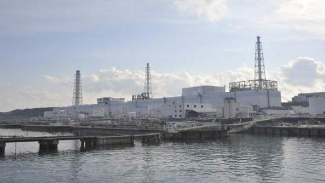 Imagen de cuatro de los reactores de la central nuclear de Fukushima (Japón).