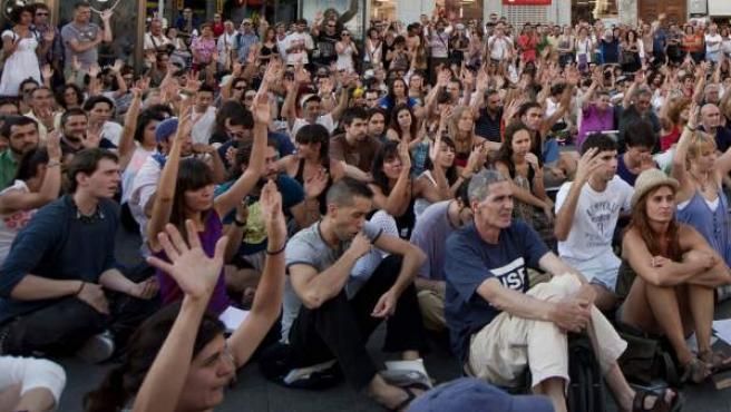 Un momento de la asamblea celebrada en la Puerta del Sol.
