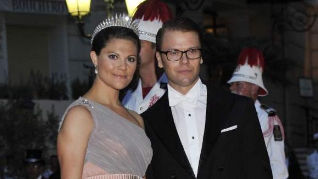 La princesa Victoria de Suecia y su esposo Daniel, en la boda de Mónaco.