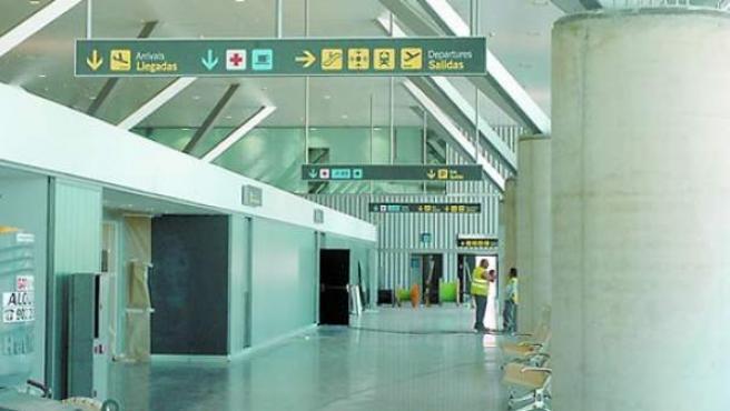 Aeropuerto de Ciudad Real. Abrió en 2008, cerró el año pasado y está a punto de firmar su liquidación total después de una inversión de 1.100 millones de euros.