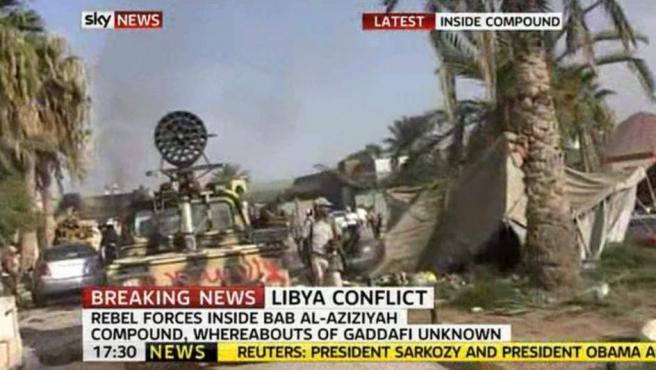 Imágenes del interior del complejo Bab Al-Aziziyah tras ser tomado por los rebeldes libios.
