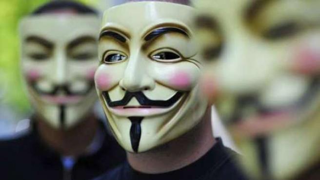 Miembros del grupo Anonymous.