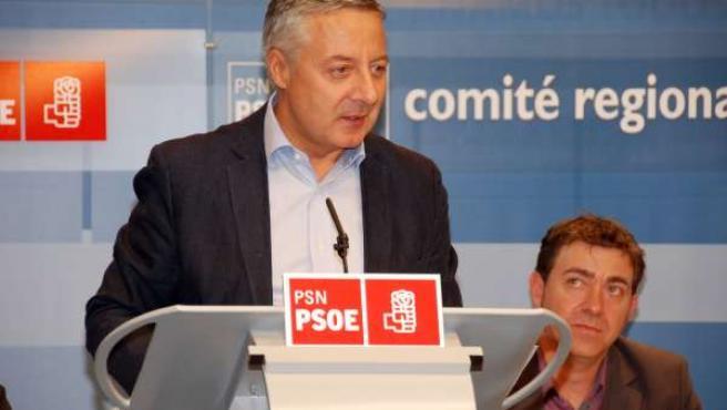 El Vicesecretario General Del PSOE, José Blanco, En Pamplona.