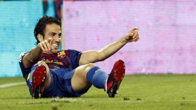 Cesc Fábregas celebra un gol ante el Villarreal.