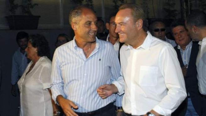 El expresidente de la Generalitat valenciana, Francisco Camps, junto a su sucesor en el cargo, Alberto Fabra.