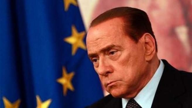 Silvio Berlusconi compareciendo en rueda de prensa.