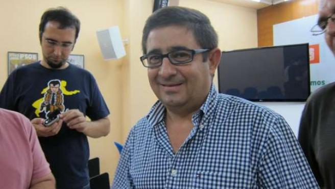 Francisco Reyes, Antes De Atender A Los Medios De Comunicación.