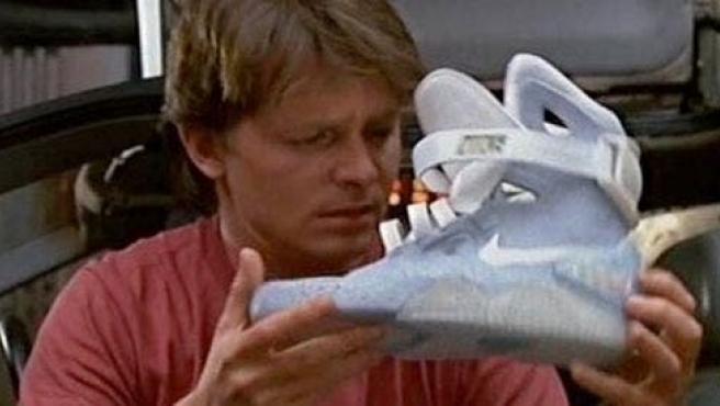Nike venderá las zapatillas de Marty McFly en 'Regreso al futuro 2'