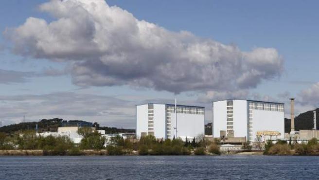 Foto de archivo que muestra una vista general del complejo nuclear en Marcoule, en Chusclan (sureste de Francia).