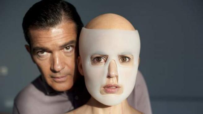 Antonio Banderas y Elena Anaya, protagonistas de 'La piel que habito'.