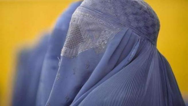 Una mujer con burka.