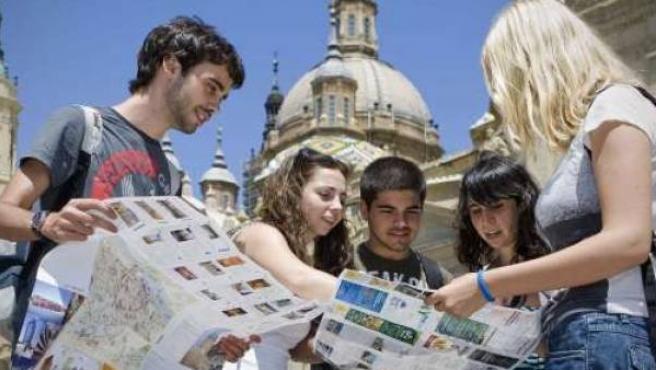 Turistas en Zaragoza.