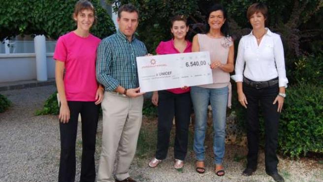 Donativo Del Jamón De Teruel A UNICEF