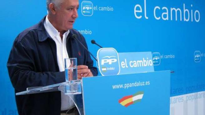 Javier Arenas Interviene Ante Los Medios