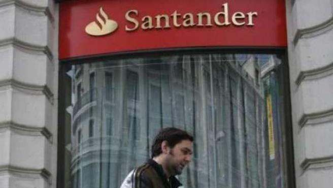 Imagen de una sucursal del Banco Santander.