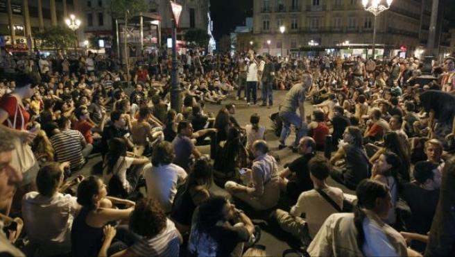 Imagen de archivo de una asamblea celebrada en la madrileña plaza de Benavente, junto a la Puerta del Sol.
