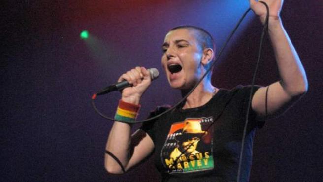 La cantante Sinéad O'Connor, durante una actuación en Nueva York en 2005.