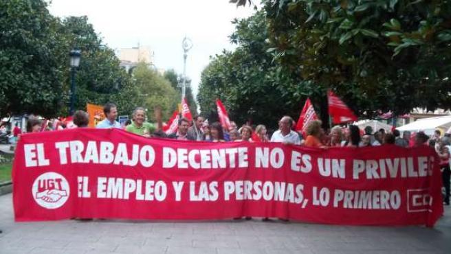 Cabecera De La Manifestación De UGT Y CC.OO.