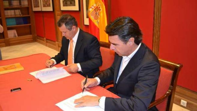 Por Orden, Los Presidentes De CCN Y PP, Ignacio González Y José Manuel Soria