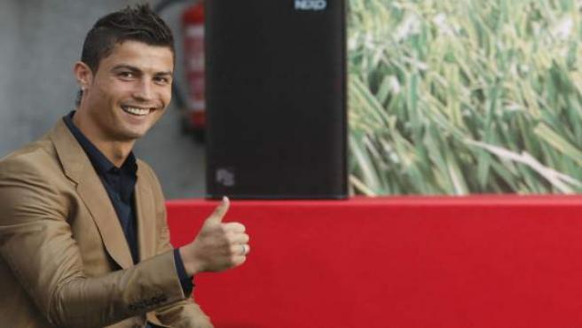 Cristiano Ronaldo, saludando.