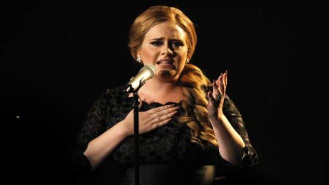 La cantante Adele durante su actuación en los MTV Video Music Awards 2011, que se celebró en la ciudad estadounidense de Los Ángeles.