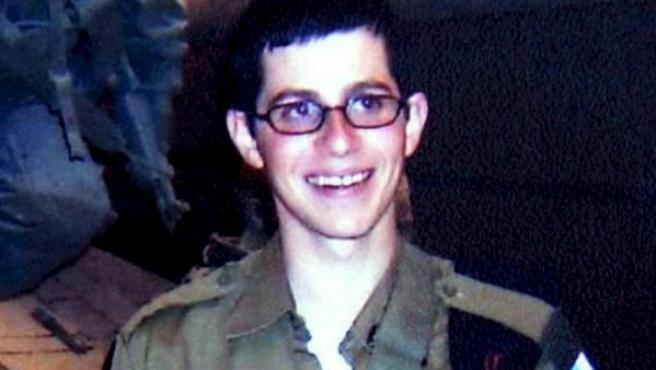 El soldado israelí Gilad Shalit, en una imagen de 2006 facilitada por su familia.