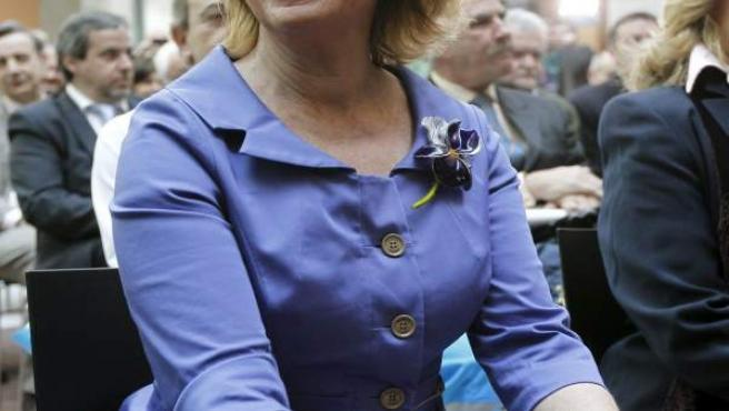 La presidenta de la Comunidad de Madrid, Esperanza Aguirre, reaparece tras su operación de cáncer de mama.