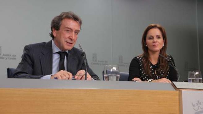 El Consejero De La Presidencia Y Portavoz, Jose Antonio De Santiago Juarez,Y La
