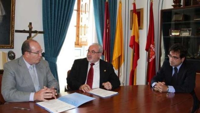Mendoza Y Rosique Firman El Acuerdo