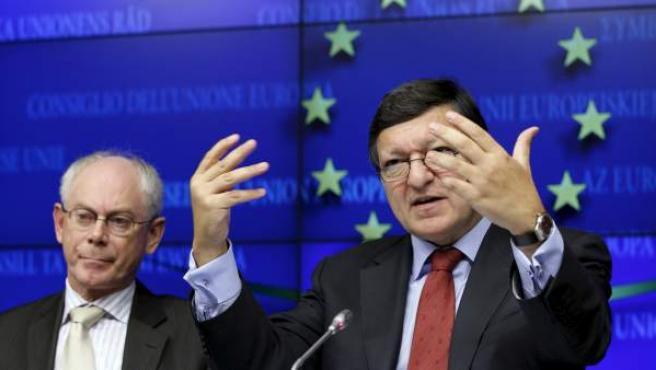 Los presidentes de la Comisión Europea y del Consejo Europeo, José Manuel Durao Barroso (derecha) y Herman Van Rompuy.