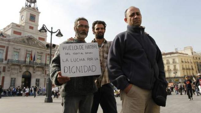 Luis Fernández, Ignacio Martínez y Juan Sánchez (de izda a drcha), en la Puerta del Sol de Madrid.